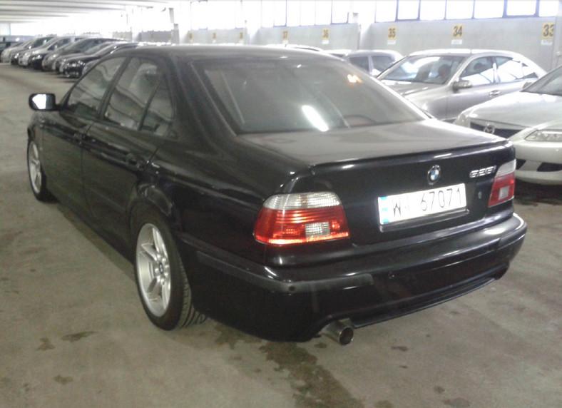 BMW serii 5 trafi do policji