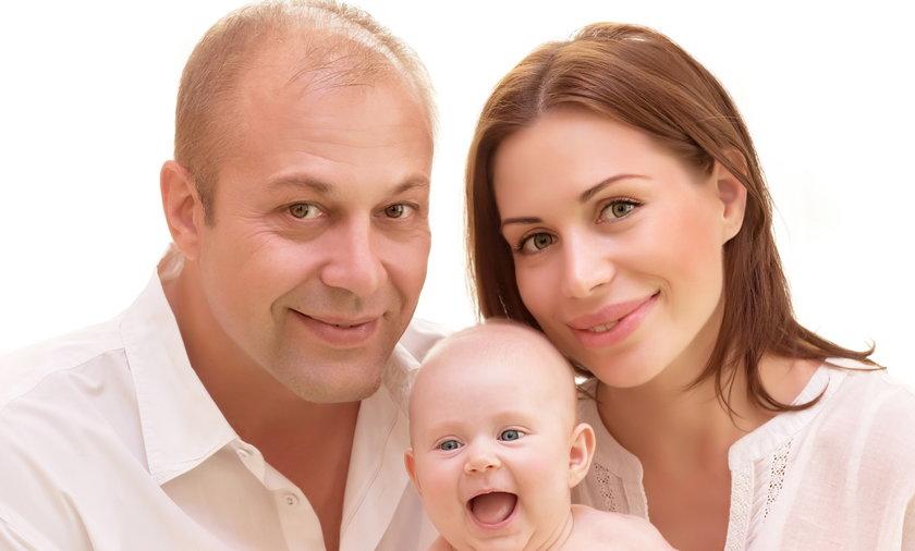 rodzina z niemowlakiem