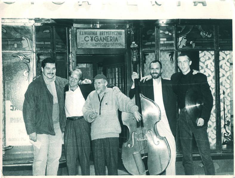 Jacek Olter (pierwszy z prawej) z zespołem Jana Ptaszyna Wróblewskiego