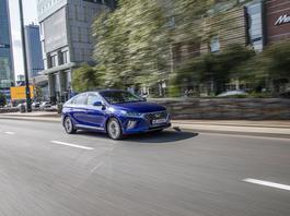 Hyundai Ioniq Hybrid - ta hybryda nie męczy podczas jazdy