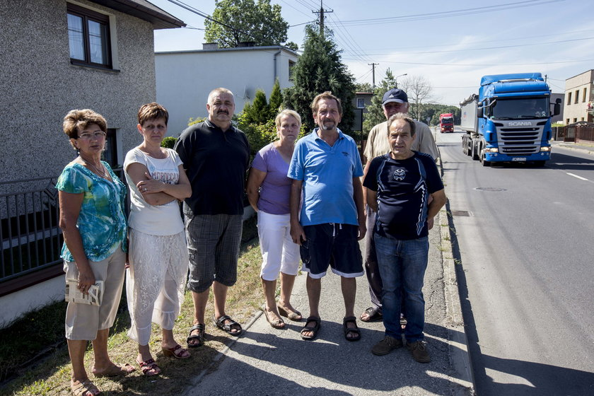 Mieszkańcy ul. Rudzkiej w Rybniku nie chcą tirów pod oknami