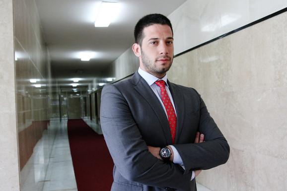 """OSTAVKE ZBOG AFERE FANTOMSKA FIRMA """"Udovičić je izmanipulisao javnost, nećemo da mu budemo PARAVAN"""""""