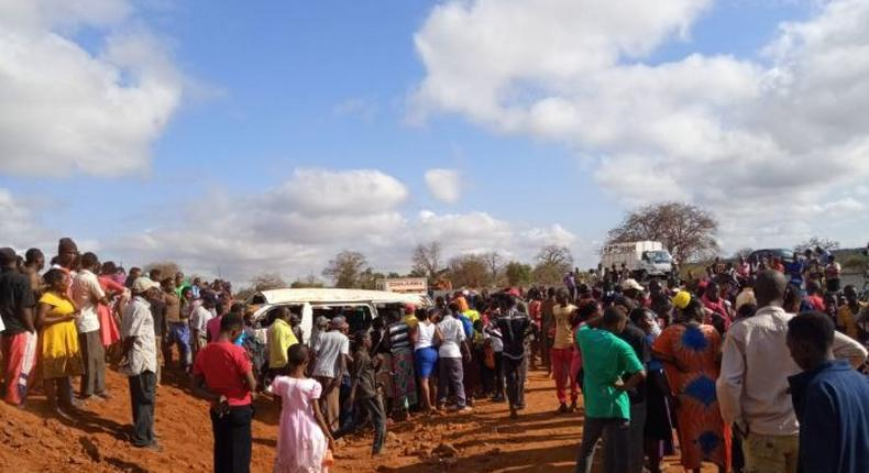 8 killed in grisly road accidents