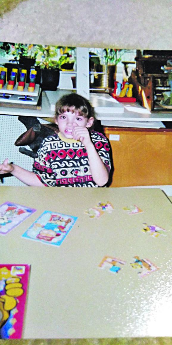 Na početku nije bilo lako: Olja nije mogla da govori ni da hoda, ali njeni roditelji nisu odustajali