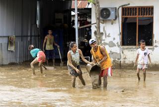 Indonezja, Timor Wschodni: 155 ofiar śmiertelnych powodzi