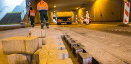 Naprawili część usterek w tunelu na Dębcu