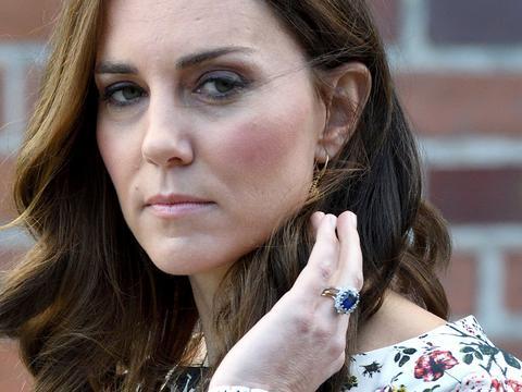 TO jednak kryzys? Kate Middleton zdjęła pierścionek
