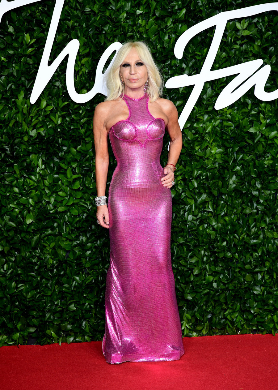 Donatella Versace w kontrowersyjnej sukni / Ian West / Press Association / East News
