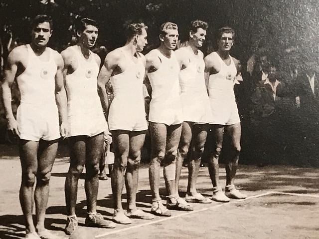 Prva postava reprezentacije Jugoslavije – s leva: Slobodan Milosavljević, Bogoljub Stojimirović, Vlado Skerbinjek, Ivan Popović, Zdenko Mikina i Gavra Budišin.