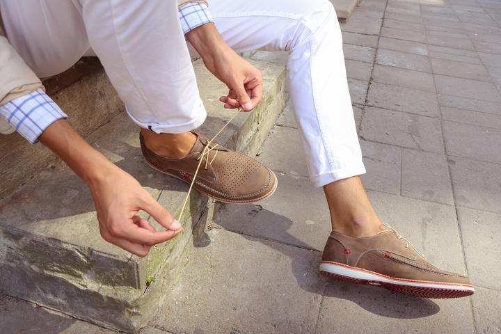 Jakie buty męskie na lato wybrać? Przegląd najlepszych modeli
