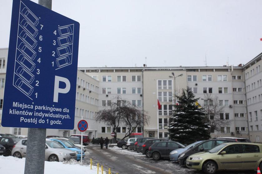 Parking przed urzędem miasta w Gdańsku