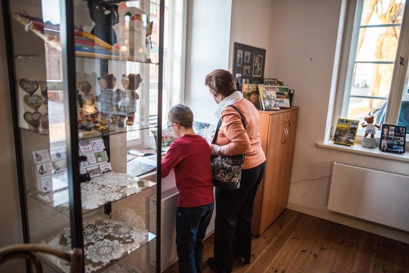 Centrum Turysty Księży Młyn w Łodzi. Jest przewodnik i pamiątki, będą warsztaty dla dzieci i dorosłych