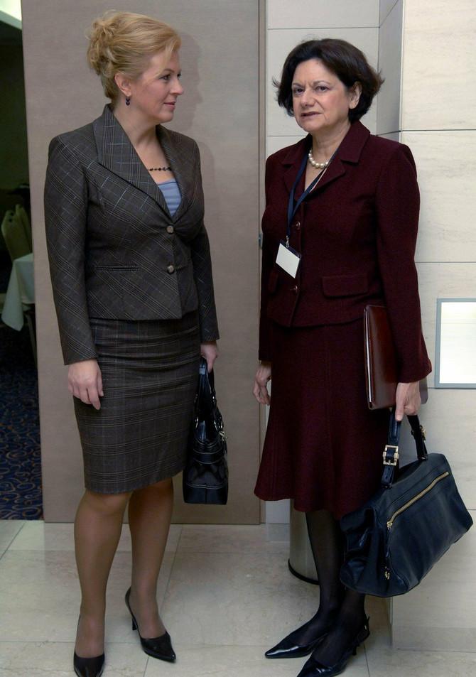 Kolinda Grabar Kitarović sa pomoćnikom američkog sekretara za Evropu Rouzmari Di Karlo 2007. u Solitu