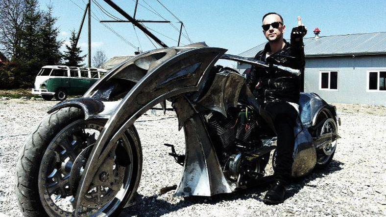 """Behemoth Bike, bo taką nazwę otrzymał jednoślad, firmowany przez zespół Adama """"Nergala"""" Darskiego powstawał od stycznia jako projekt, łączący dwa światy: muzyki i motoryzacji..."""