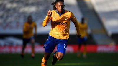 Alex Iwobi gets a wing-back role at Everton and impresses in it