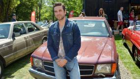 Marcin Dorociński pozuje ze swoim Mercedesem