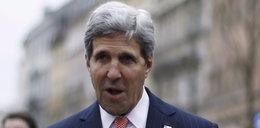 Żenująca wpadka Kerry'ego. Nie wiedział, na czyim był grobie!