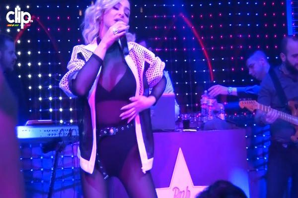 """""""TO IZGLEDA GROZNO"""": Naša seksi pevačica priznala detalj o sebi koji mnoge žene KRIJU KAO ZMIJA NOGE! (VIDEO)"""