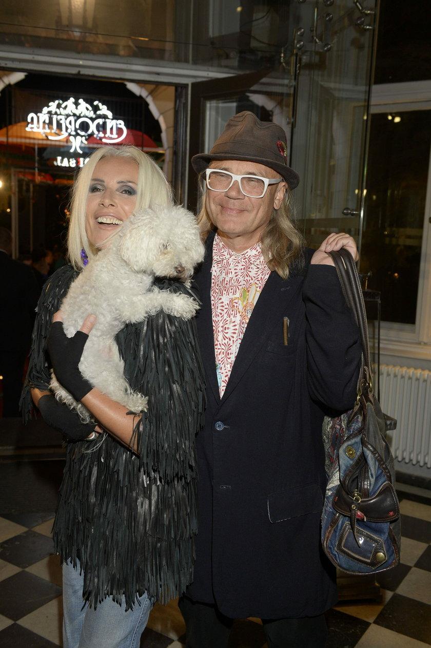Kora z mężem i psem
