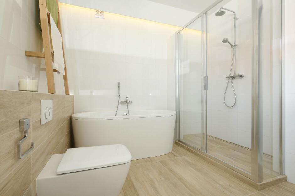 Przytulne łazienki Ocieplone Rysunkiem Drewna 10 świetnych