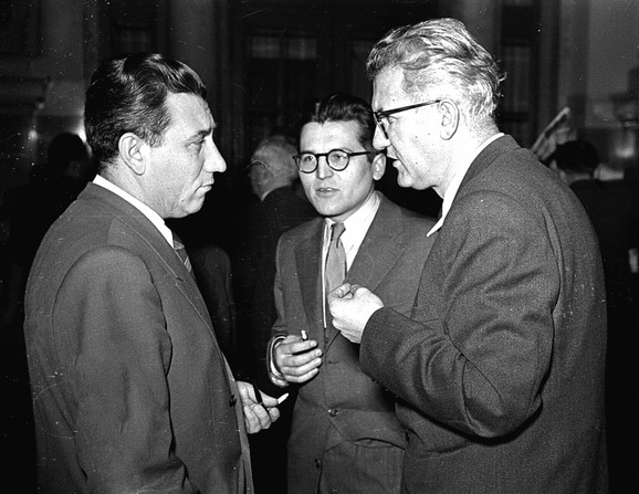 Sa Dobricom Ćosićem i Petrom Stambolićem, 1952.