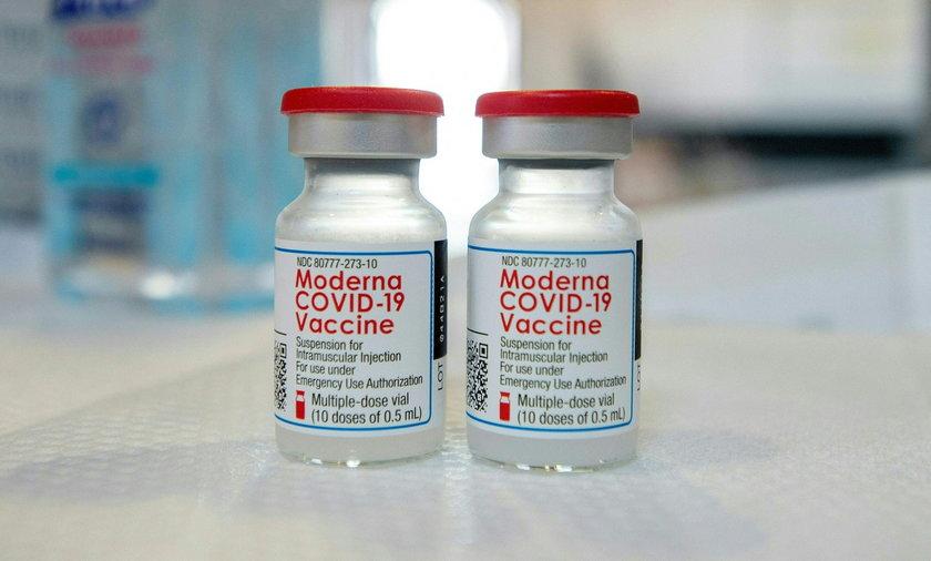 """Szef Moderny wskazał, kiedy zakończy się pandemia. """"Będzie podobnie jak z grypą"""""""