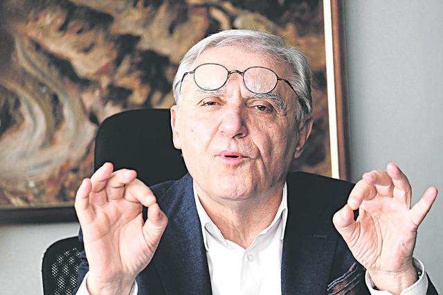 Za Blagoja Spaskovskog je Aleksandar Vučić jednom prilikom rekao da građani Bora više vole pse lutalice od njega