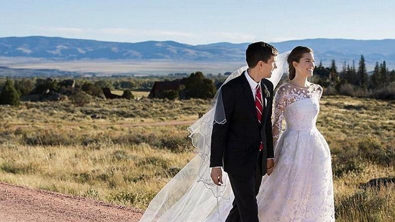 Allison Williams, 27, and Ricky Van Veen, 34, tied the knot in Wyoming on Saturday afternoon