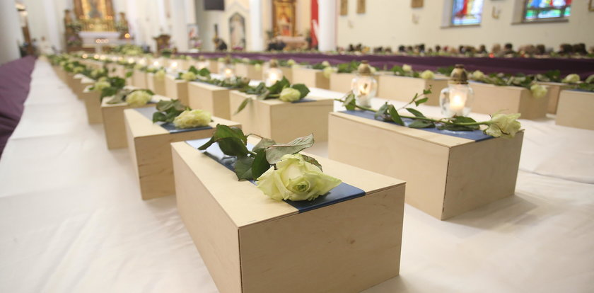 Skąd pochodzą płody, którym wyprawiono masowy pogrzeb? Prawda jest straszna