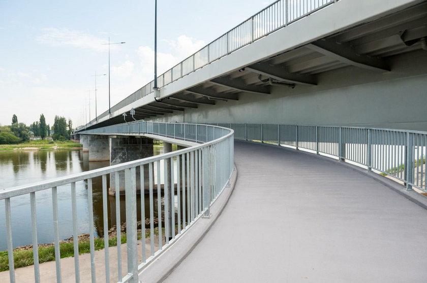 Otwierają kładkę pod mostem Łazienkowskim