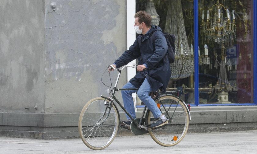 Rafał Królikowski łamał przepisy podczas jazdy na rowerze.