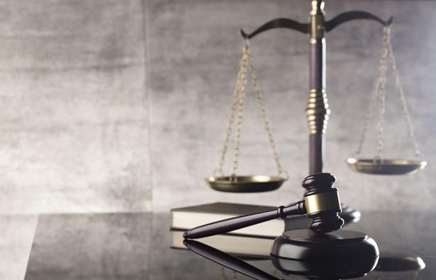 W Ministerstwie Sprawiedliwości są analizowane rozwiązania prawne dotyczące chociażby systemu dyscyplinarnego; w najbliższym czasie zostanie pewnie przedstawiony projekt ustawy, który część rzeczy w zakresie sądownictwa ureguluje - podkreślił w czwartek rzecznik rządu Piotr Müller. prawo