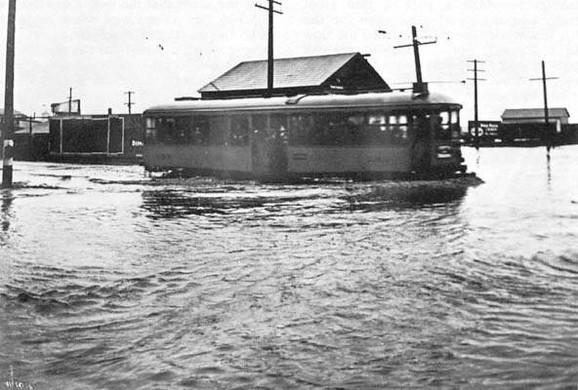 Početkom 1916. San Dijego pogodile su nezapamćene poplave