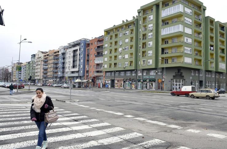Novi Sad 1608 Zgrade sarene fasada urbanisticki nesklad stanovi
