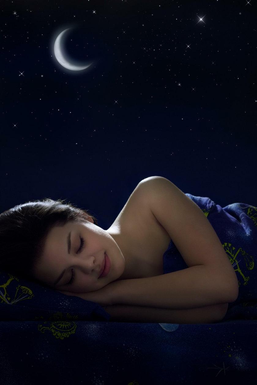Mózg musi odpocząć. Dla szarych komórek najważniejszy jest głęboki sen. W tym czasie naprawiają się drobne uszkodzenia fizyczne w mózgu. Z kolei w tej fazie odpoczynku, w której śnimy, porządkuje się pamięć