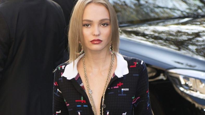 Dzięki kontraktowi z Chanel i udziałowi w kilku produkcjach filmowych nastolatka już od dłuższego czasu jej znana na całym świecie...
