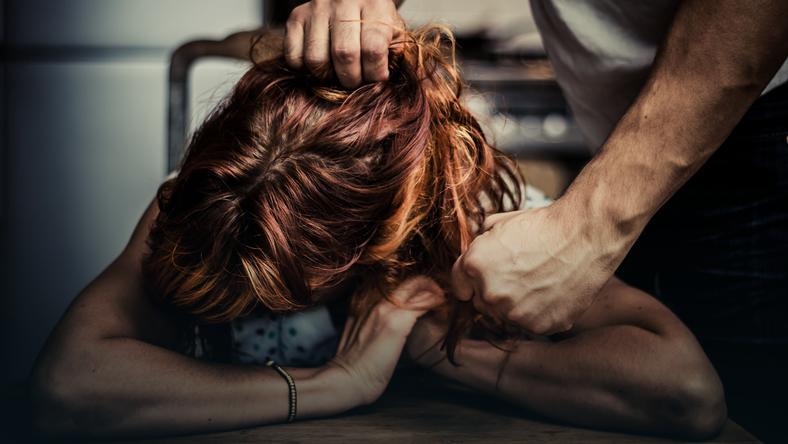 Prawie 4 miliony kobiet w Polsce dotyka przemoc w rodzinie