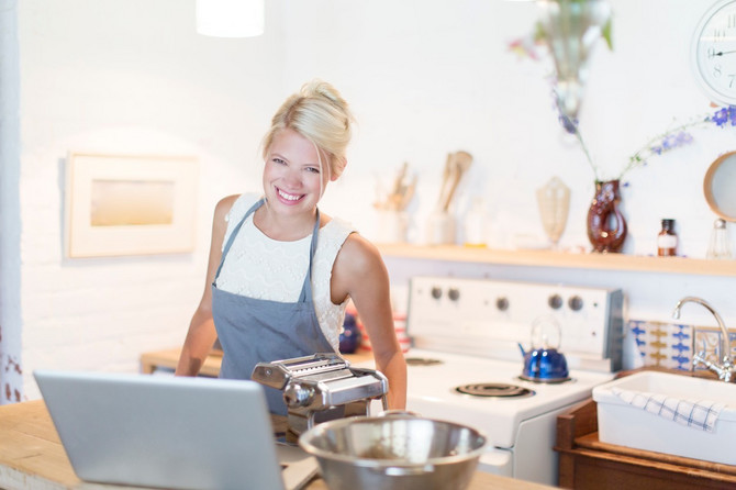Listanje kuvara postaje deo sentimenta. Kompjuter ulazi u kuhinju na velika vrata