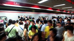 Metro w Pekinie to komunikacyjny koszmar - jeśli narzekasz na podróż w godzinach szczytu, zobacz ten filmik