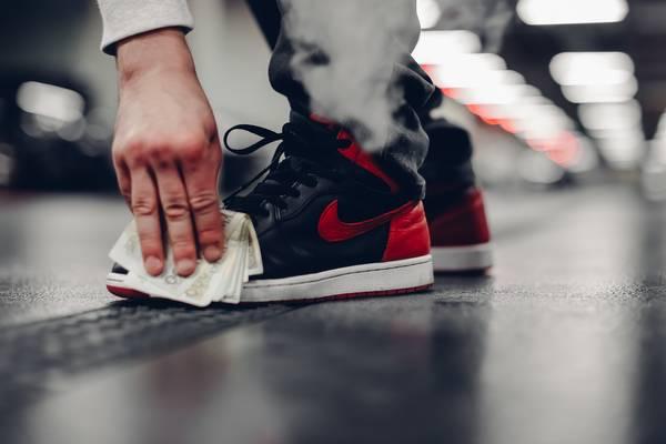 10 par sneakersów na Walentynki 2020 dla romantyków Noizz