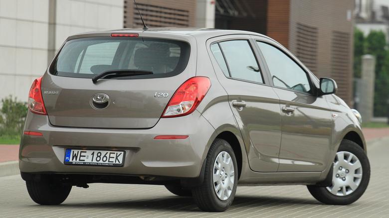 Hyundai i20 to - ogólnie - dobre auto, ale producent zanotował kilka wpadek.