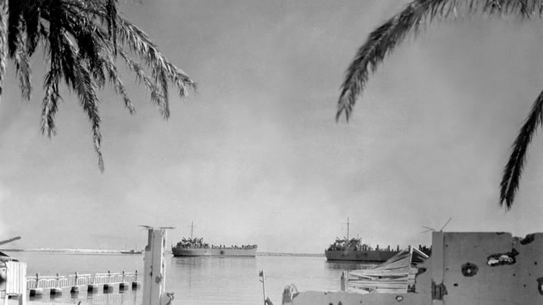 Alianckie statki w tunezyjskim porcie Bizerte w 1943