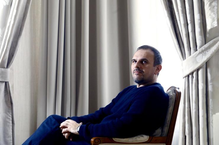 Saša Ilić - Pisac i aktuelni dobitnik NIN-ove nagrade za roman Zabluda Svetog Sebastijana, jednom mesečno piše za naš list