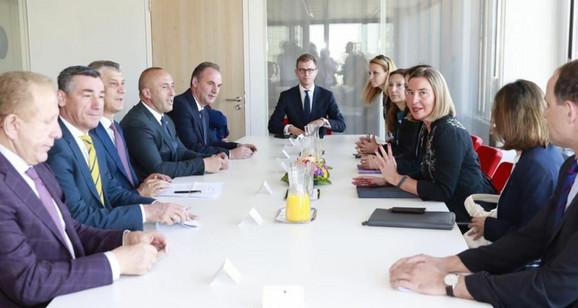 Prištinska delegacija