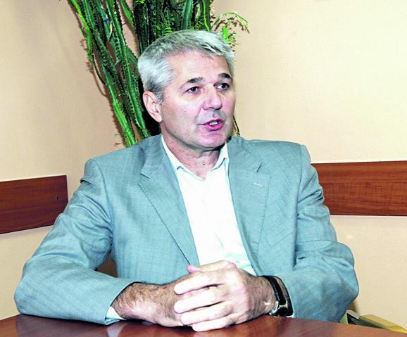 Dekan Milovan Bratić
