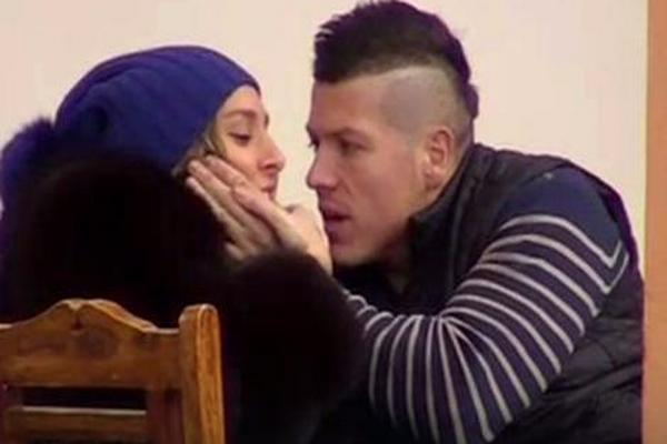 """""""NIKAD NEĆEŠ BITI KAO ONA!"""" Sloba ZGRABIO Lunu za vilicu, svađa KULMINIRALA! (VIDEO)"""