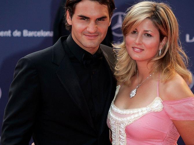 Mirku Federer je baš briga za modu: Može da nosi najbolju odeću, ali priređuje ovake MODNE KATASTROFE