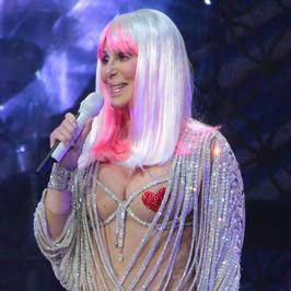 Cher odsłoniła co nieco!