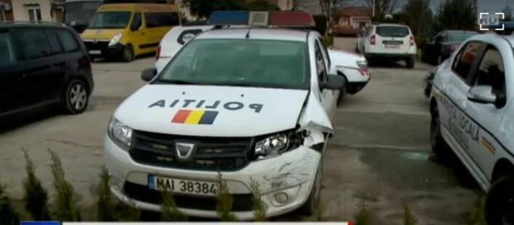 Konzul oštetio policijski automobil