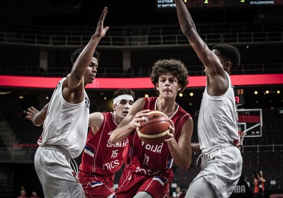 Juniori u finalu Evrobasketa